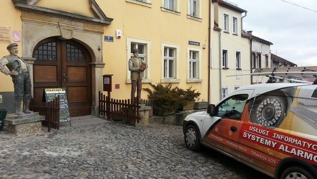 Instalacja alarmu w Galerii Samych Swoich w Lubomierzu