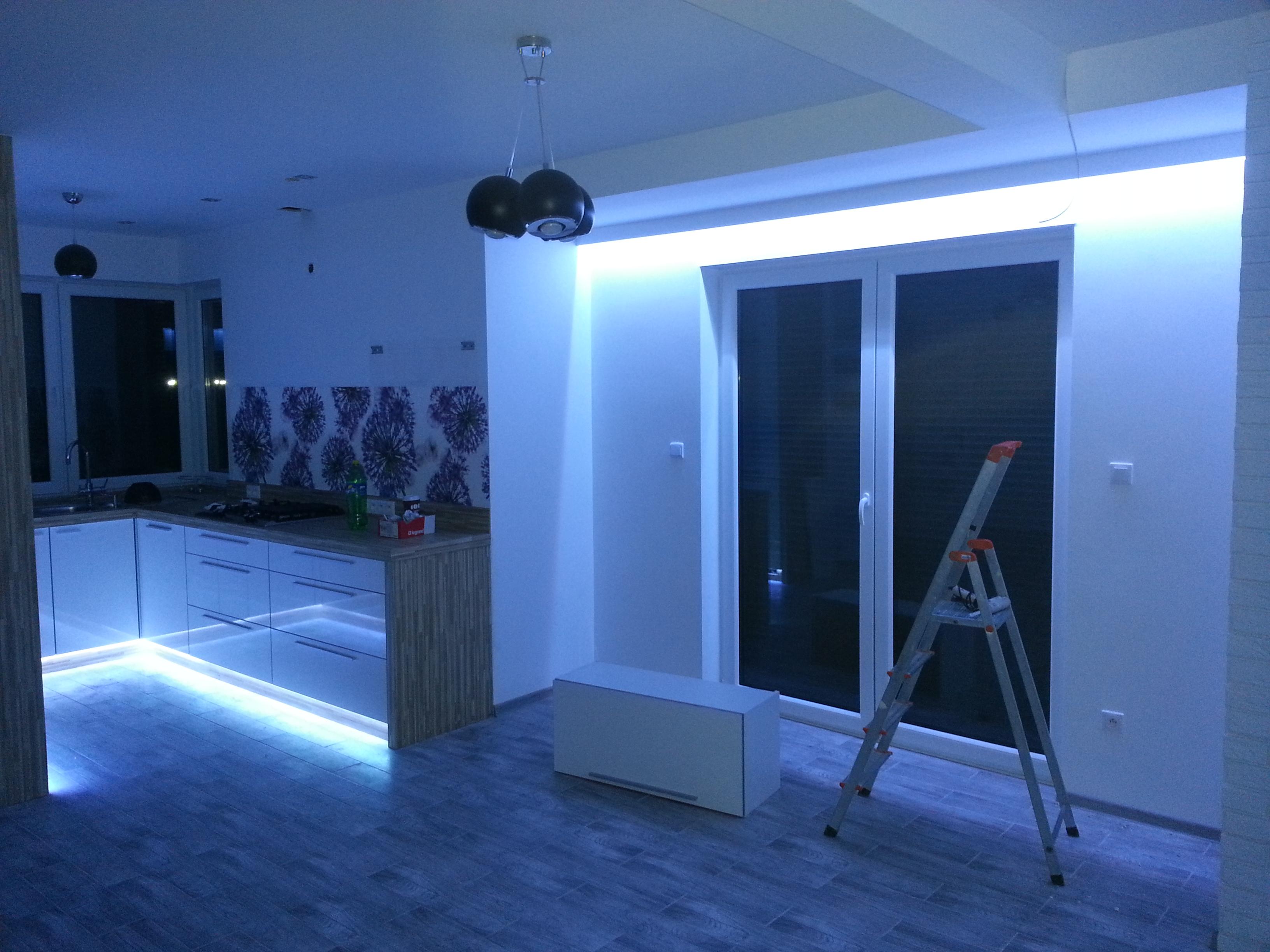 instalacja inteligentnych systemów sterowania oświetleniem