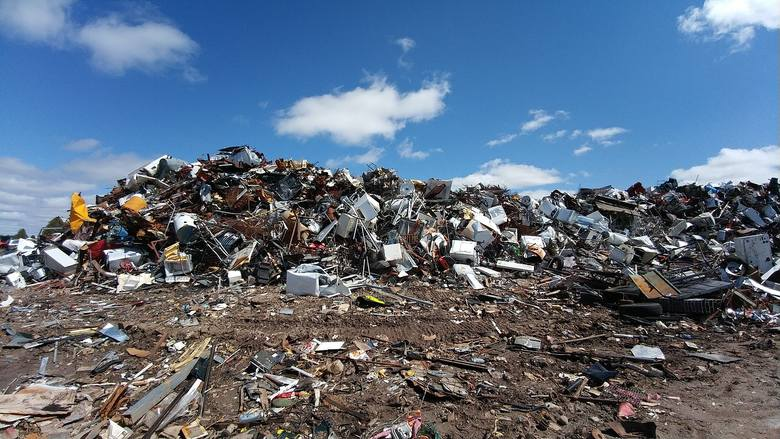 zabezpieczanie składowisk odpadów, śmieci