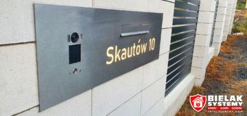Realizacja instalacji wideodomofonu, nowoczesny budynek